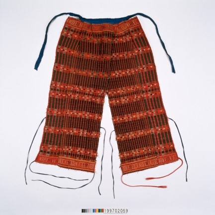 後敞褲;護腿布
