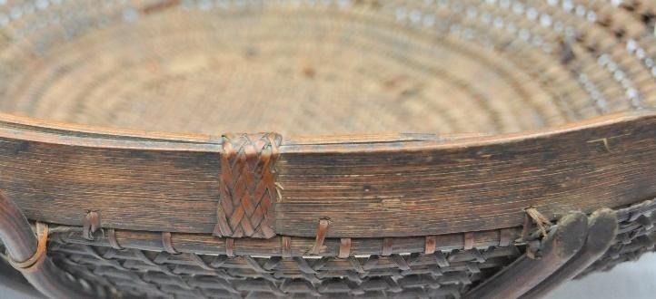 上緣收邊: 以縫紮法固定藤於藤身上