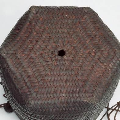 雅美族盛檳榔用藤製淺籃之六分編底