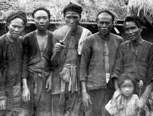加禮宛群(噶瑪蘭族)留辮子、纏頭巾雜有漢人的紀錄:轉載自 鳥居龍藏眼中的台灣原住民-跨越世紀的影像,1994:145