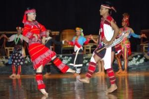 Demonstration of Atayal dance