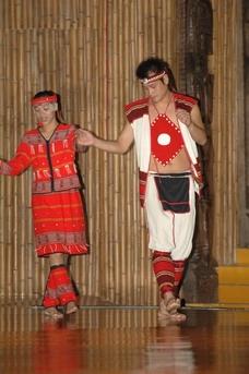 Atayal men and women clothing display