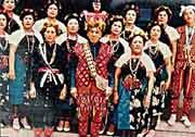 陸森寶出生在日治時期的台東廳卑南社。父母親皆是世居的卑南族人。由於父親早逝,年少時期的生活多仰賴親人的資助,及部落族人的支持
