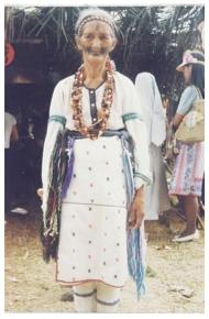 太魯閣族女性服飾裝扮